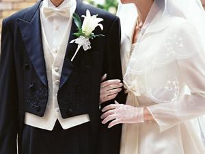 ハイヒールを履く花嫁さんよりも背を高く